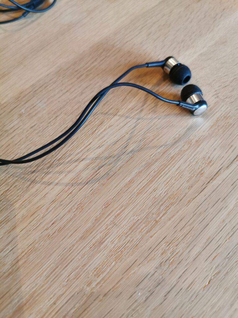 Billede af in-ear høretelefoner for at vise hvad afsnittet handler om