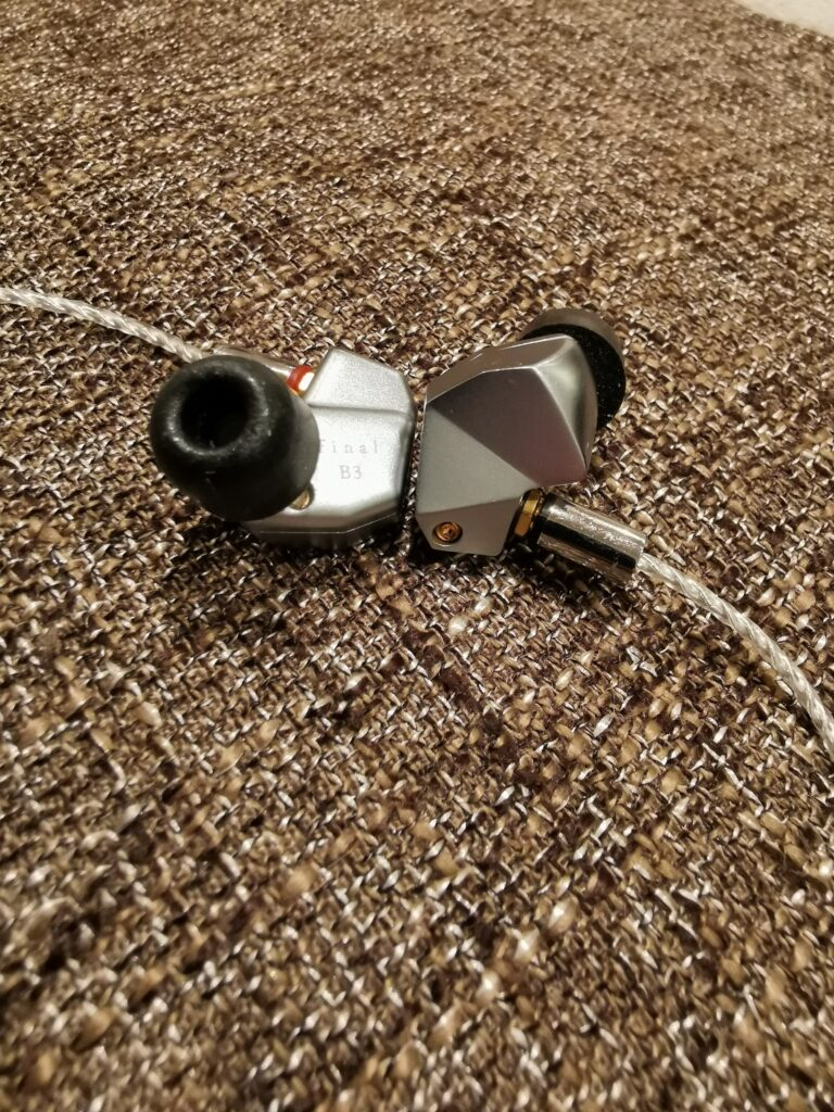 Final Audio B3 med skum ear tips
